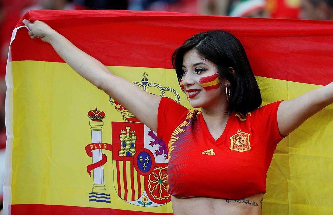 Фото болельщицы Испании