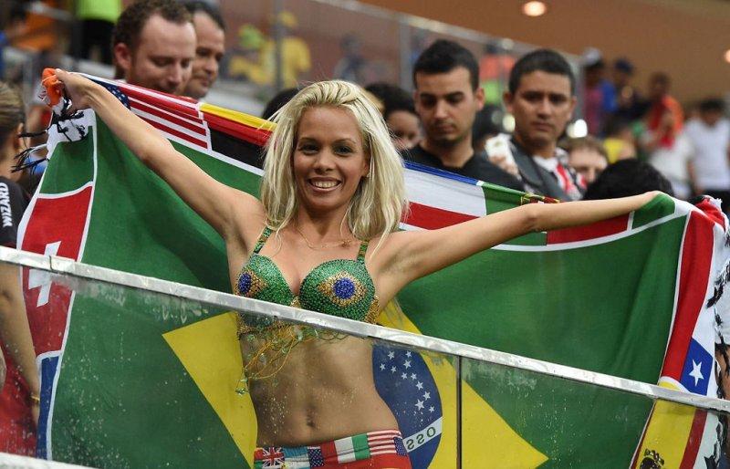 Фото болельщицы Бразилии 2