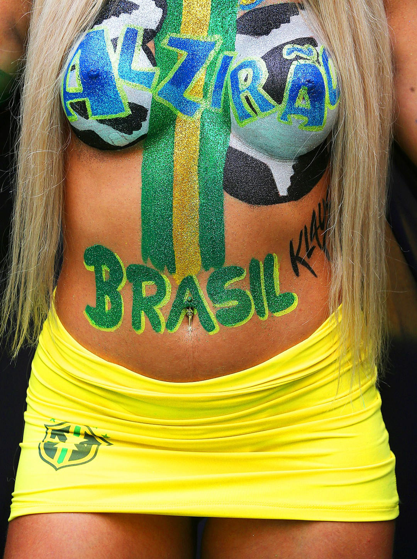 Фото болельщицы Бразилии 4