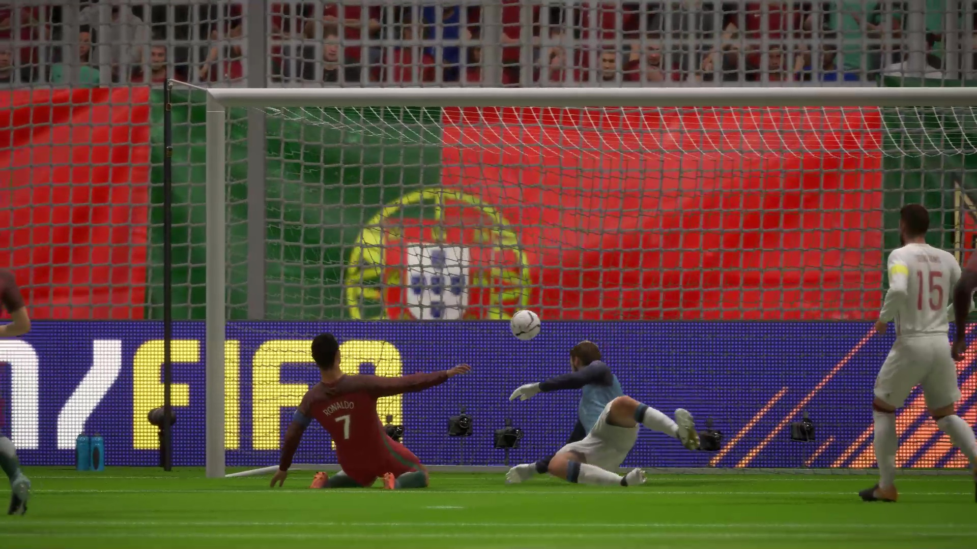 Роналду забивает первый гол