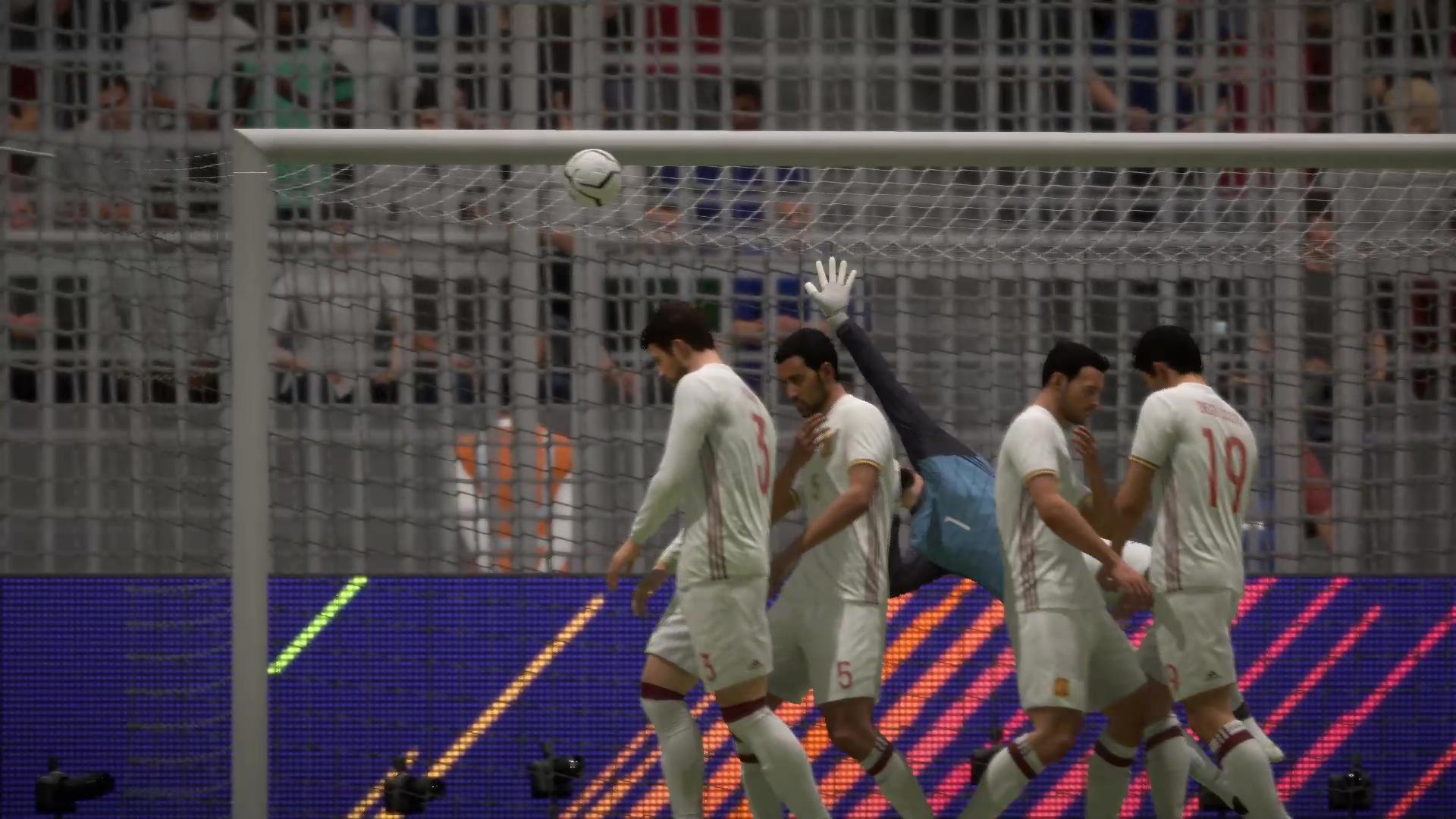 Роналду красивейшим ударом забивает второй гол